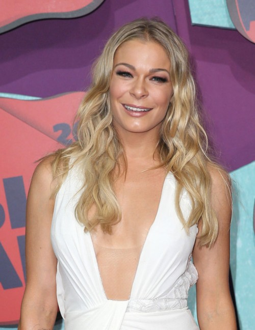 LeAnn Rimes Accused Of Being A Rude And Disrespectful At A David Gray Concert!