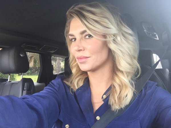 Brandi Glanville short hair