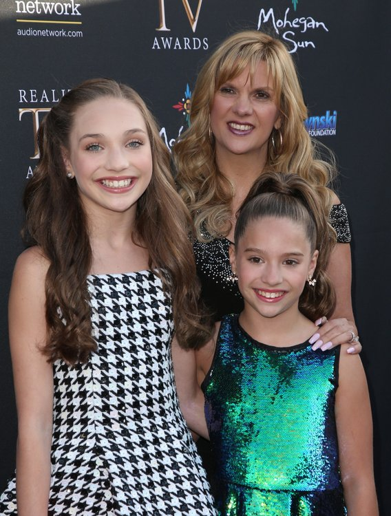 Maddie and Mackenzie Ziegler with Melissa
