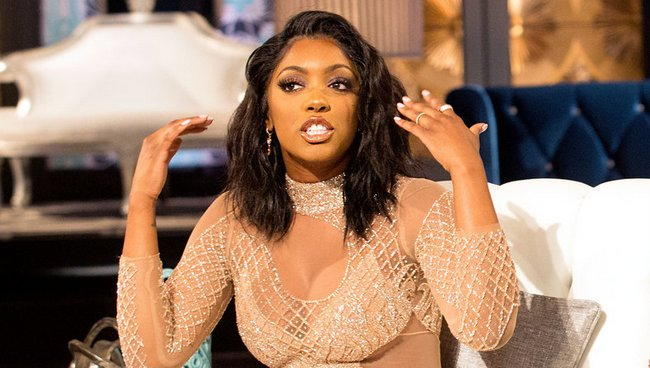 Porsha Williams collapses
