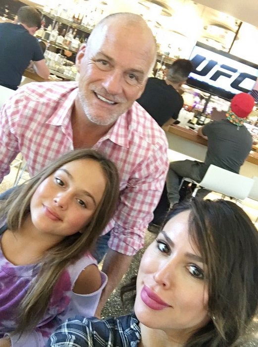 Kelly Dodd - Kelly Dodd and Family in London