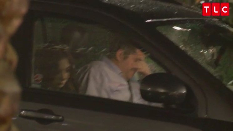 Jorge-Anfisa-Car-Window-Night-90-Day-Fiance
