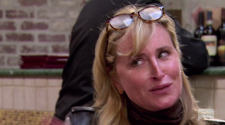 Sonja-Morgan-Glasses-On-Head-RHONY