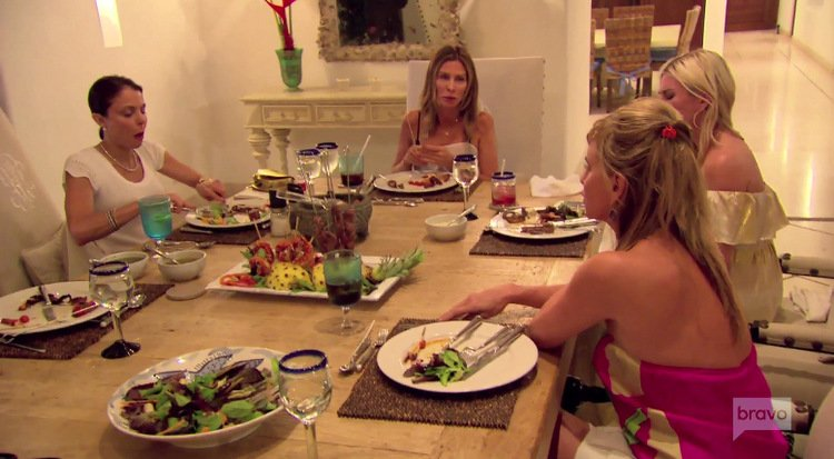 Bethenny-Frankel-Carole-Radziwill-Tinsley-Mortimer-Sonja-Morgan-Dinner-Mexico-RHONY