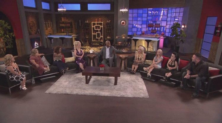 Full-Cast-Reunion-Couches-Kevin-Frazier-LWLA
