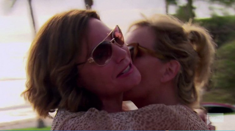 Luann-delesseps-Sonja-Morgan-Kissing-Mexico-RHONY