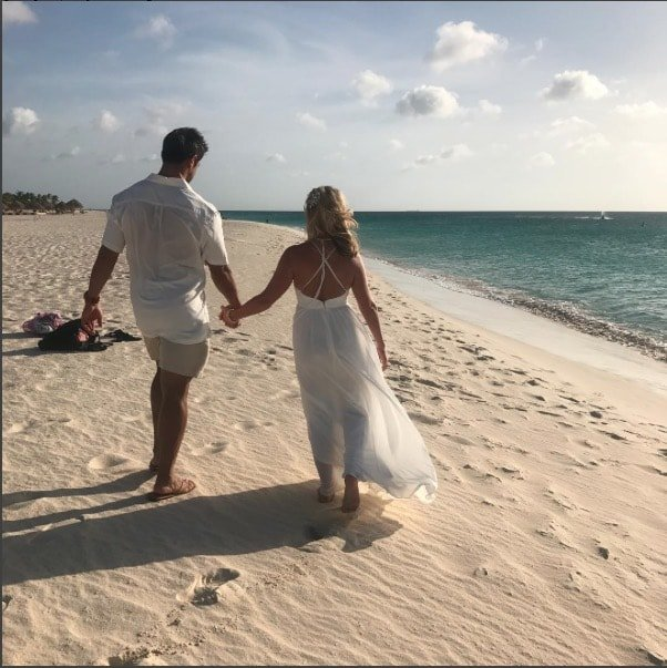 tamra-eddie-judge-renew-vows-aruba-min