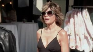 Lisa Rinna is caught in the middle