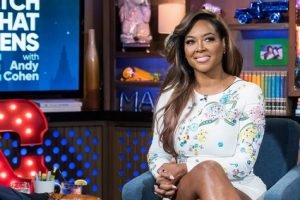 Former RHOA Star Kenya Moore Kicked Out Of Restaurant For Changing Daughter's Diaper