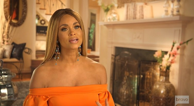 Gizelle Bryant Says Candiace Dillard Only Talks About Her Mom's Money; Thinks Candiaces Owes Charrisse-Jackson Jordan An Apology