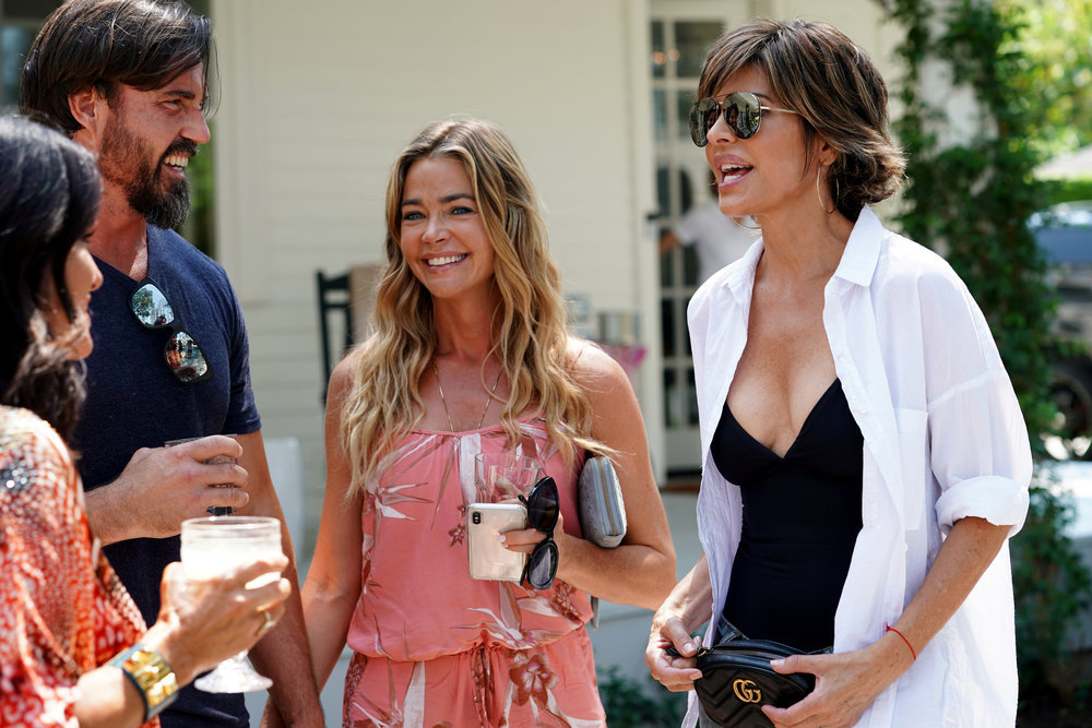 Lisa Rinna Says Denise Richards Is A Legend