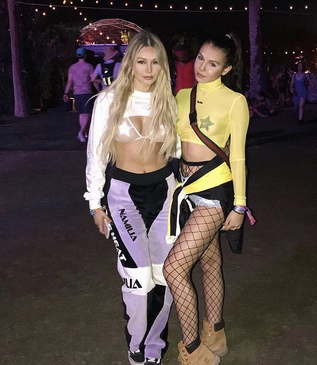 Corinne Olympios With Her Sister Taylor