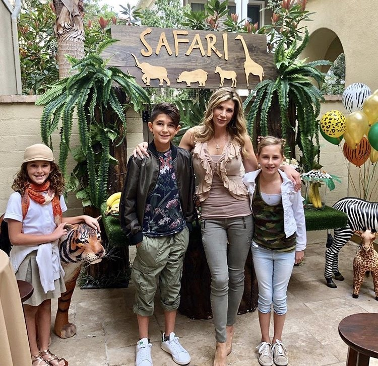 Alexis Bellino With Her Family