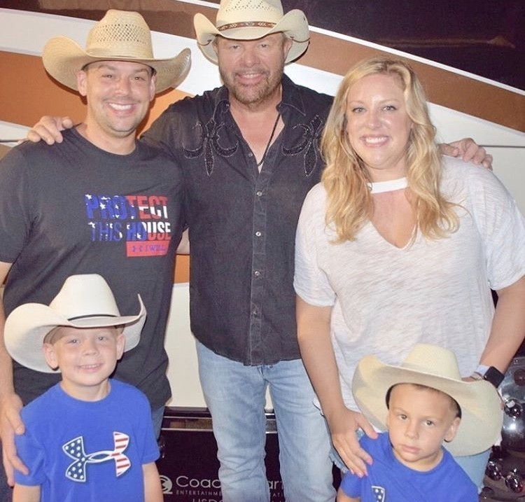 Ryan & Briana Culberson With Their Family