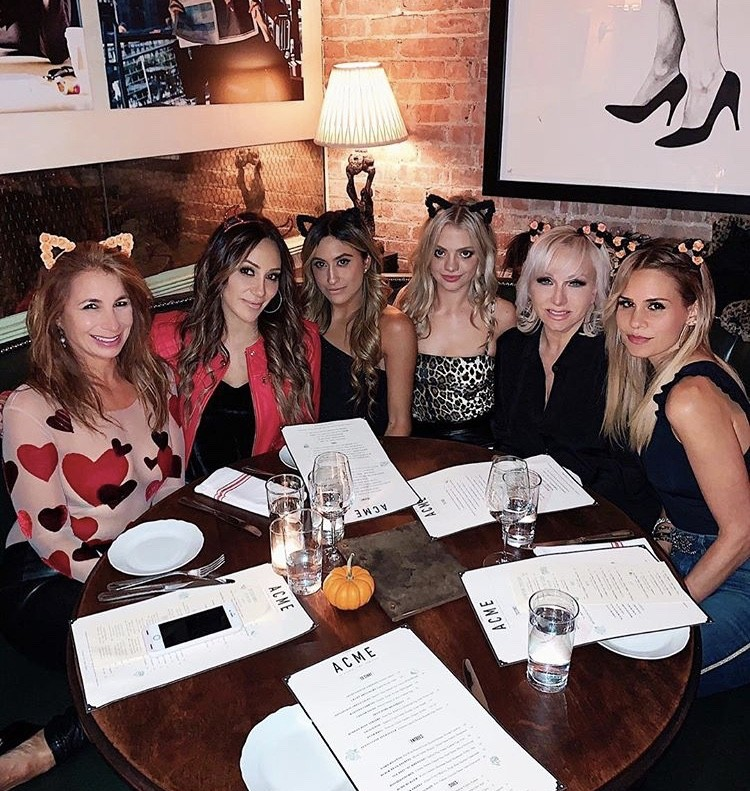 Jill Zarin, Melissa, Gorga, Margaret Josephs, & Jackie Goldschneider With Friends