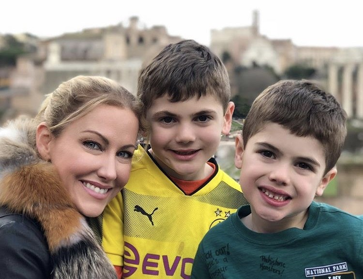 Stephanie & Her Sons In Rome